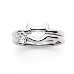 猫のデザインをした婚約指輪